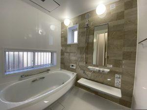 浴室のブラインドをかびさせない方法